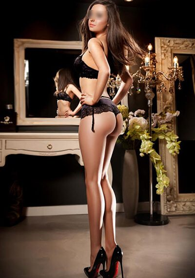 Jessica is a beautiful British Escort in Knightsbridge, London